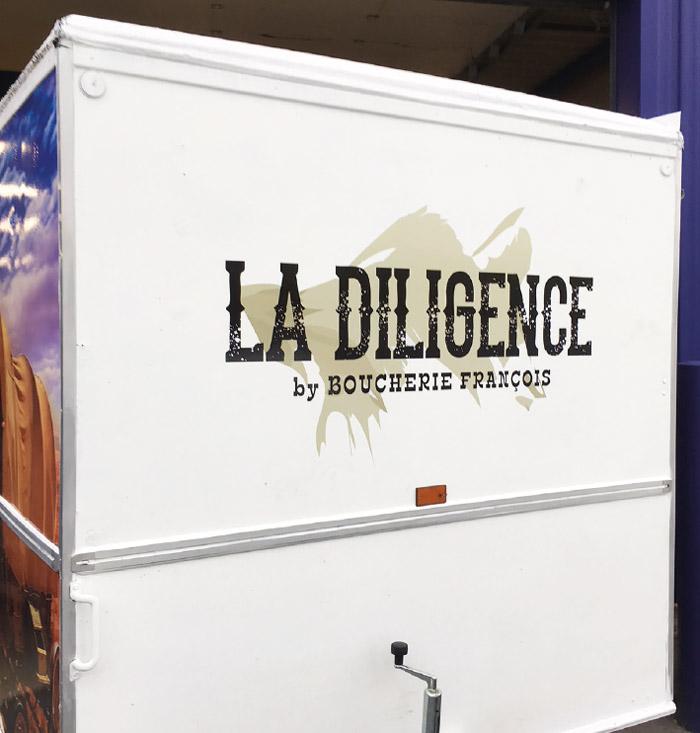Covering véhicule – La Diligence by Boucherie François